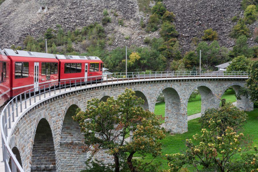 Brusio: il viadotto circolare a bordo del Trenino Rosso del Bernina