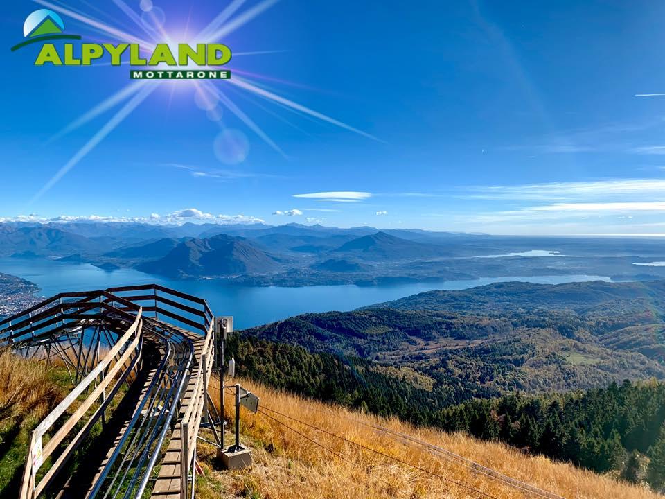 Alpyland: bob su rotaia a picco sul Lago Maggiore