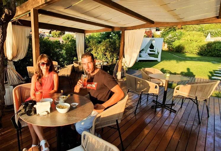 Aperitivo al Baia Bianca Suites sul Golfo della Biodola all'Isola d'Elba