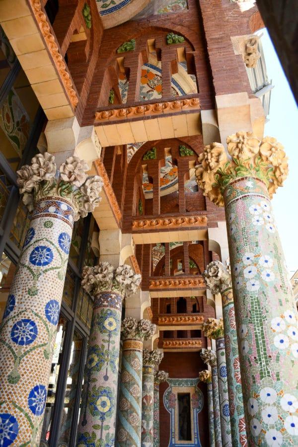 Palau de la Mùsica Catalana_balcone_colonne_maioliche