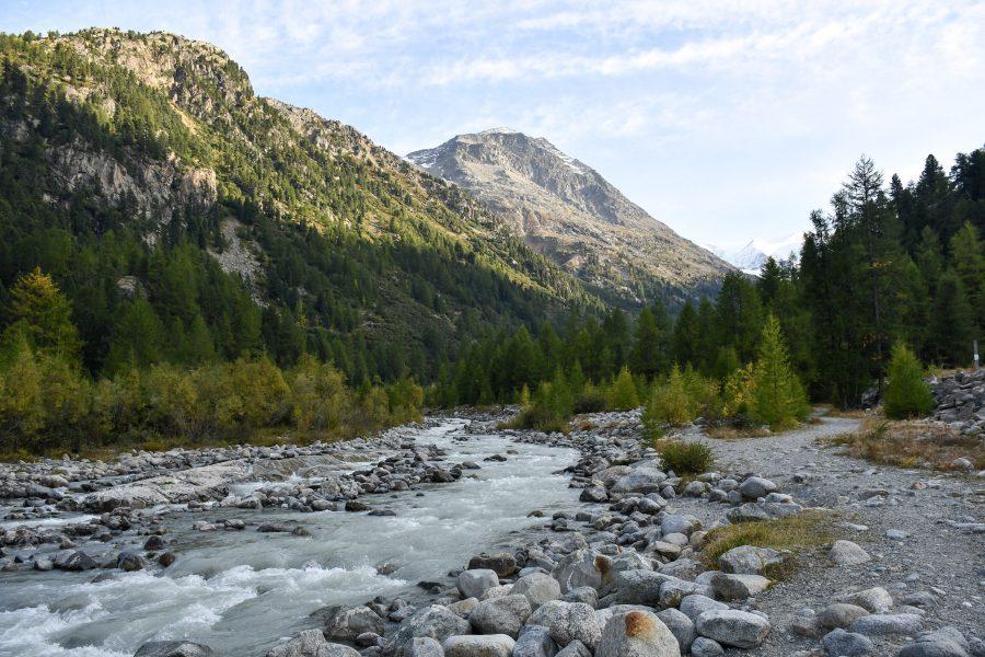 Morteratsch_fermata consigliata del Trenino Rosso del Bernina