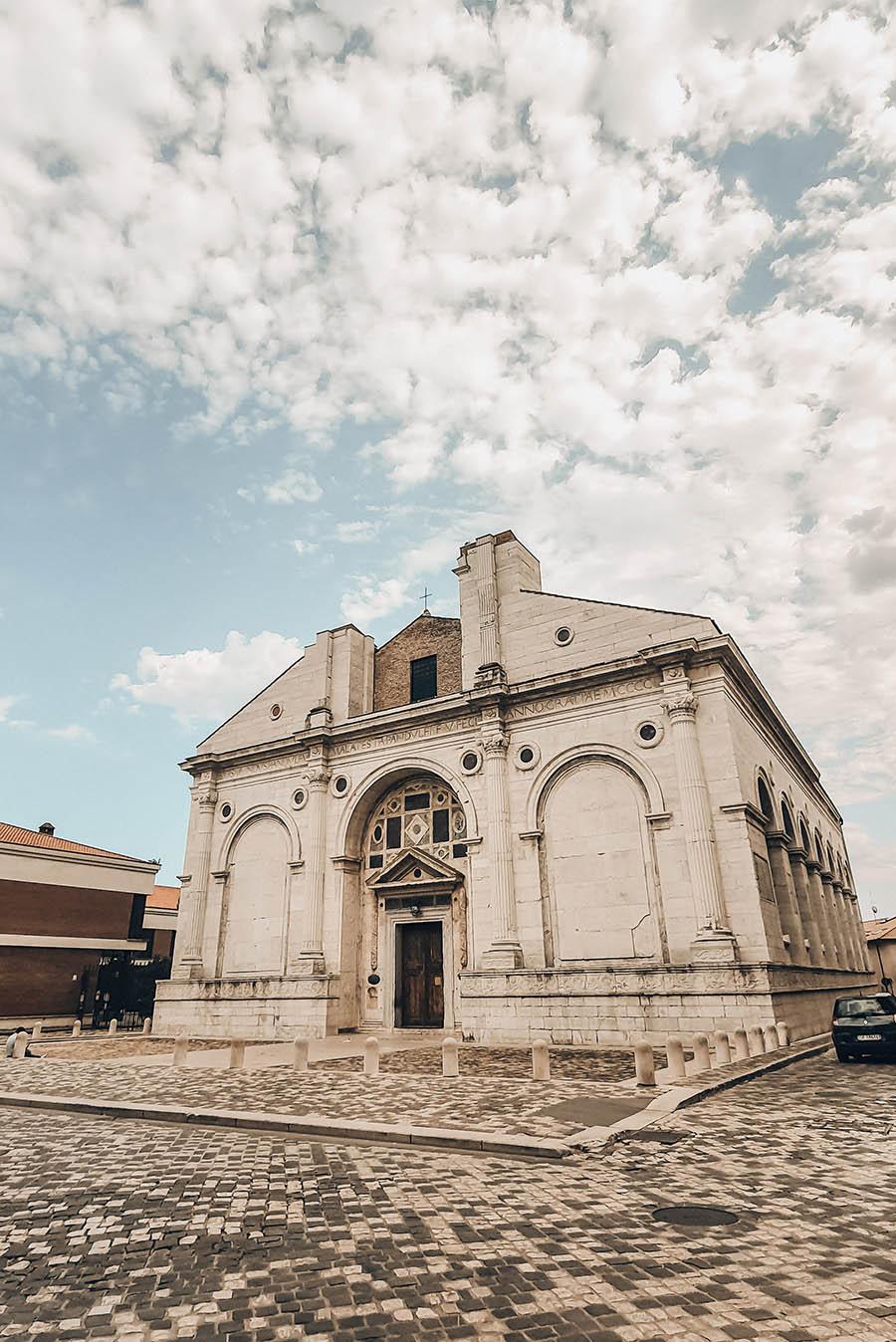 Rimini centro cosa vedere: il Tempio Malatestiano
