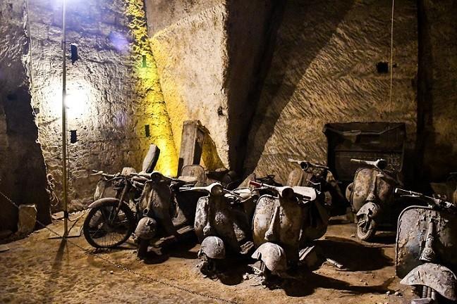 Tunnel borbonico: la visita alla scoperta della Napoli sotterranea