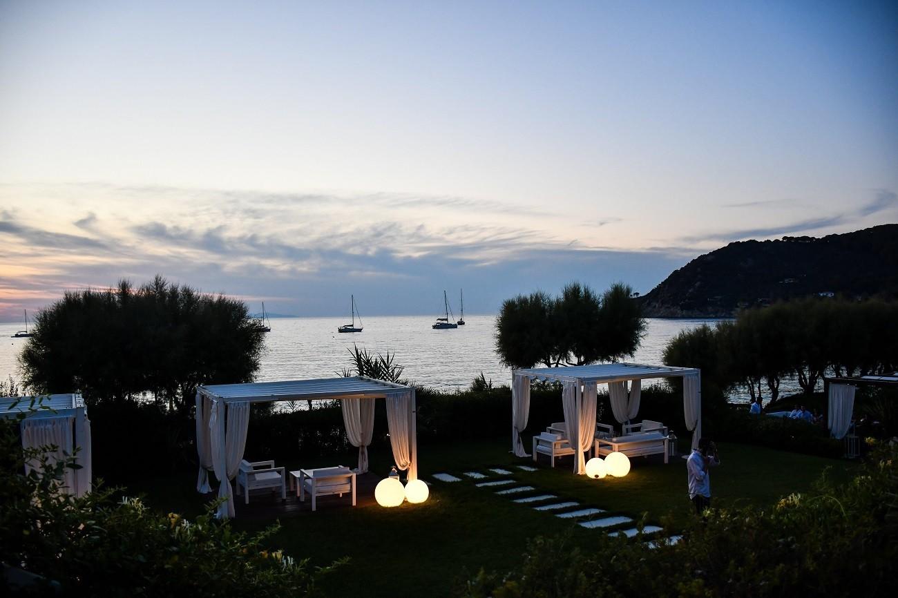Dove fare l'aperitivo con vista sul tramonto all'isola d'Elba