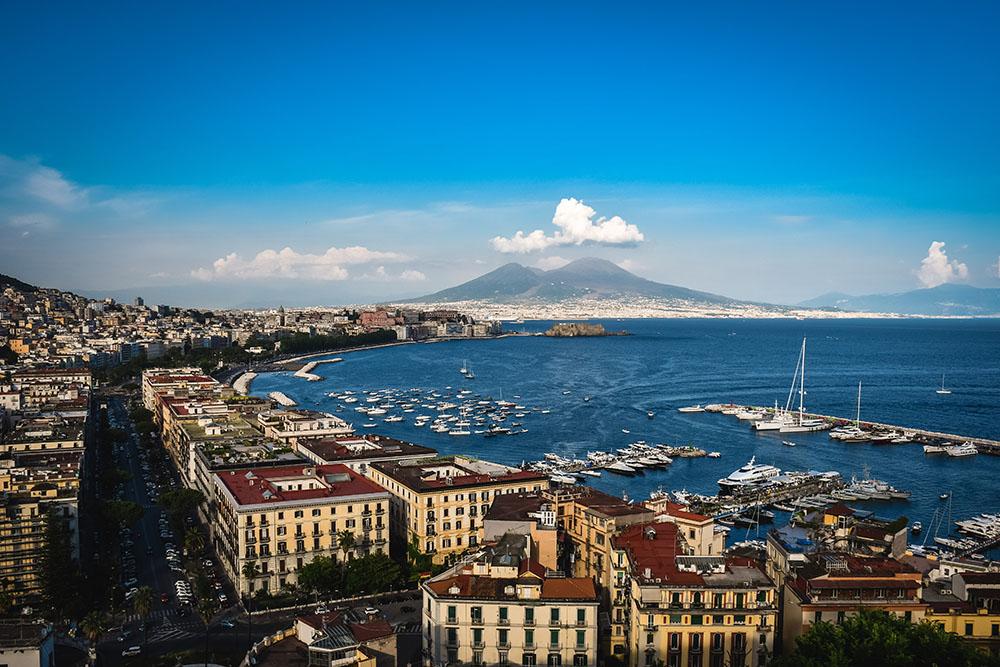 Cosa vedere a Napoli: il panorama dalla terrazza di Sant'Antonio a Posillipo